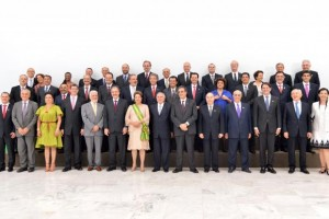 President Dilma Rousseff and the 39 ministers (Photo: Portal Brasil)