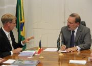 Minister Armando Monteiro and ambassador Josef Smets (Photo MDIC)